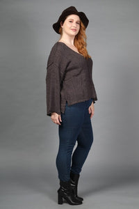 LONG BELL SLEEVE V-NECK KNIT TOP