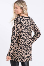 Load image into Gallery viewer, LONG SLEEVE V NECK WITH BAR DETAIL ANIMAL LEOPARD PRINT TOP