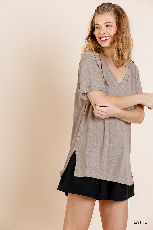 Short Gathered Sleeve Slub Knit V-Neck Top with Side Slits