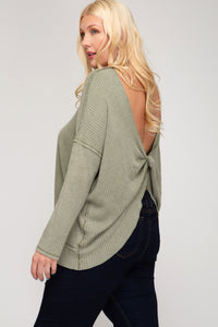 LONG SLEEVE GARMENT DYED PULLOVER KNIT TOP WITH TWISTED OPEN BACK DETAIL