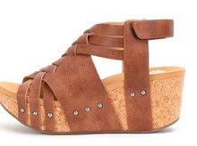 Load image into Gallery viewer, Bastion Wedge Sandal