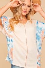 Load image into Gallery viewer, PLUS OATMEAL BLUE & CORAL TIE DYE COLOR BLOCK OUT SEAM BLOUSE