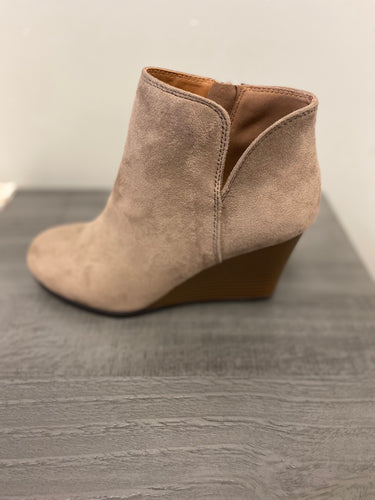 WOMENS ROUND TOE WEDGE CHELSEA BOOTIES