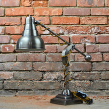 Load image into Gallery viewer, Rustic industrial table lamp