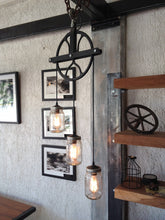 Load image into Gallery viewer, Beautiful Pulley lamp with mason jars