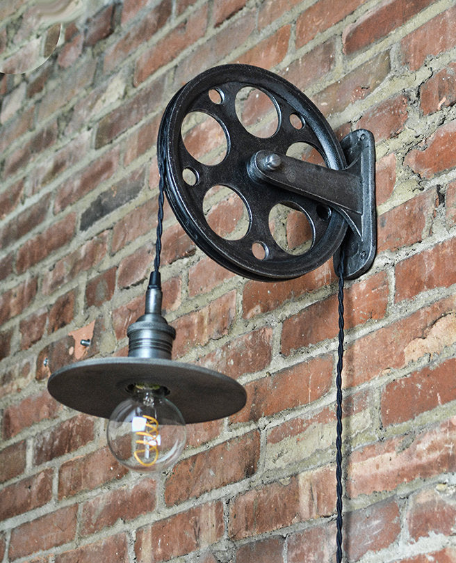 Iron Pulley Wall Lamp