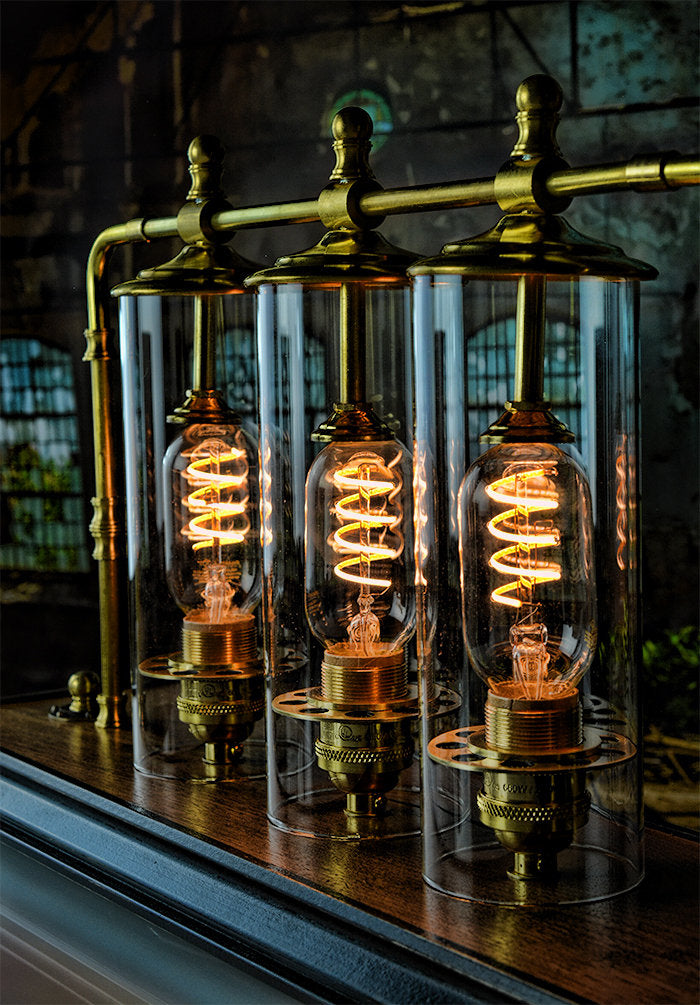 A great looking steampunk table lamp.