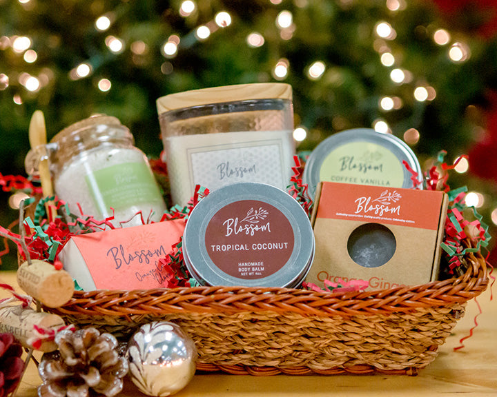 6-Piece Holiday Gift Basket
