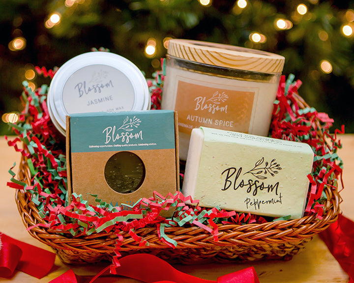 4-Piece Holiday Gift Basket: Package A