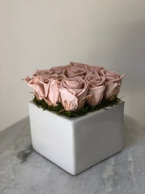 MARGOT PRESERVED ROSE ARRANGEMENT