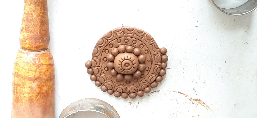 Terracotta Jewellery pendant making - Score and slip method