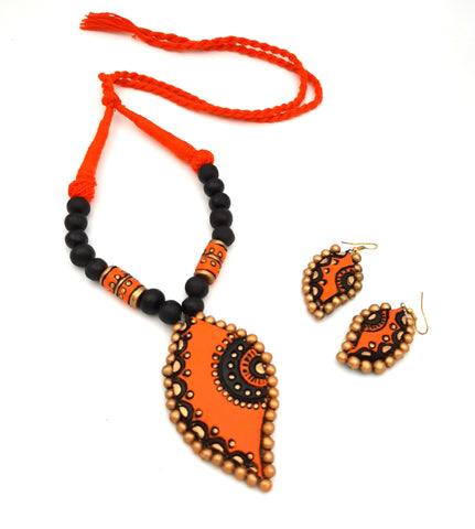Buy Online Daily wear terracotta jewellery set with handmade unique pendant - Samreedhi Handicrafts
