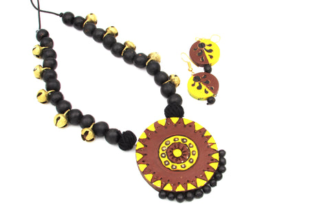 Buy Online Terracotta Jewellery Jewelry set with artistic round shape pendant - Samreedhi Handicrafts