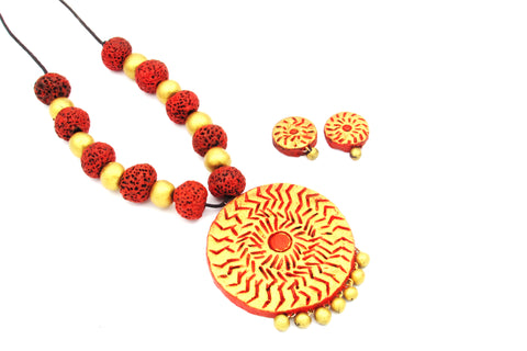 Buy Online Terracotta Jewellery set with artistic round pendant with stud earrings 1- Samreedhi Handicrafts