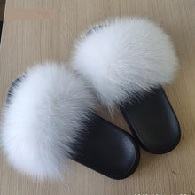 Load image into Gallery viewer, Furry indoor flip flops casual sandals