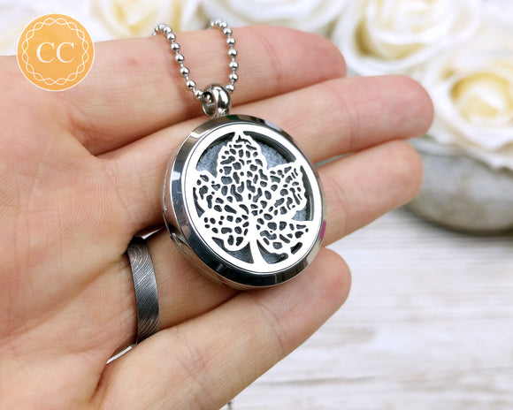 Leaf design Aromatherapy diffuser necklace