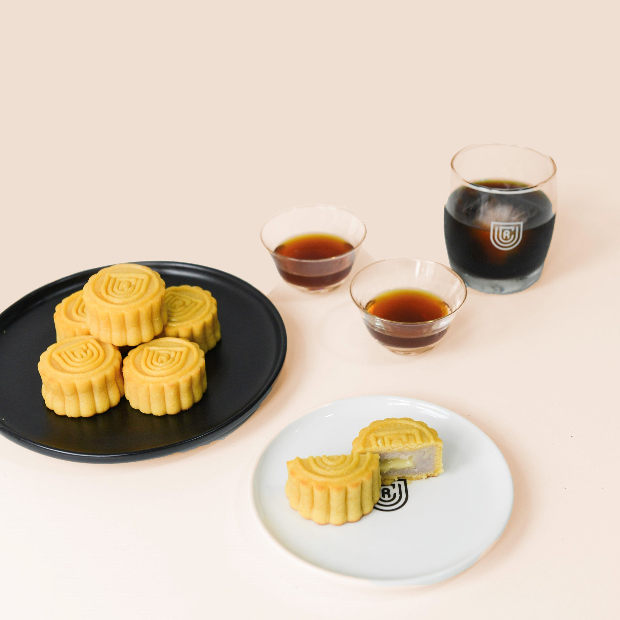 UCR x Mr. Taro Mid-Autumn Mooncake & Coffee Boxset