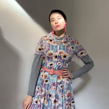 Load image into Gallery viewer, 70s Floral Zip a Front Dress