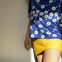 Load image into Gallery viewer, Vintage Flower T-shirt