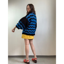 Load image into Gallery viewer, 70s Black/Blue Wavy Pattern Jumper