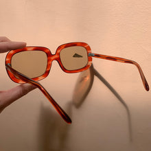 Load image into Gallery viewer, 70s Oversized Red/Amber Sunglasses