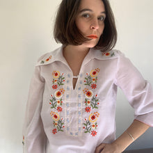 Load image into Gallery viewer, Vintage Floral Embroidered Smock