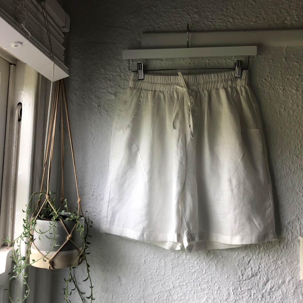 Worthier Linen Pants Shorts WHITE