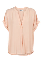 Load image into Gallery viewer, Eb & Ive Savannah Blouse BLUSH