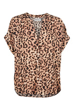 Load image into Gallery viewer, Eb & Ive Savannah Blouse LEOPARD