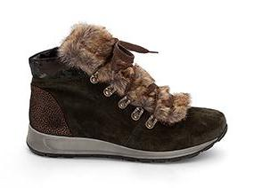 Osaka Lace Up Boot With Fur Trim