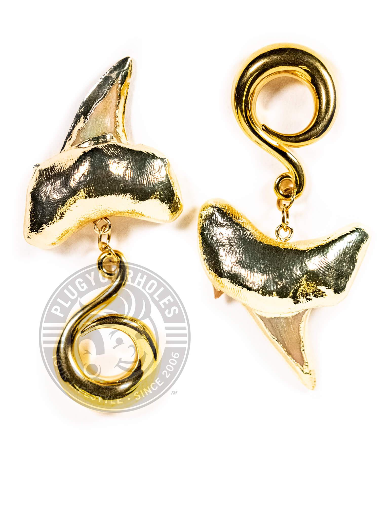 Shark Tooth Gold Curled Hook Hangers