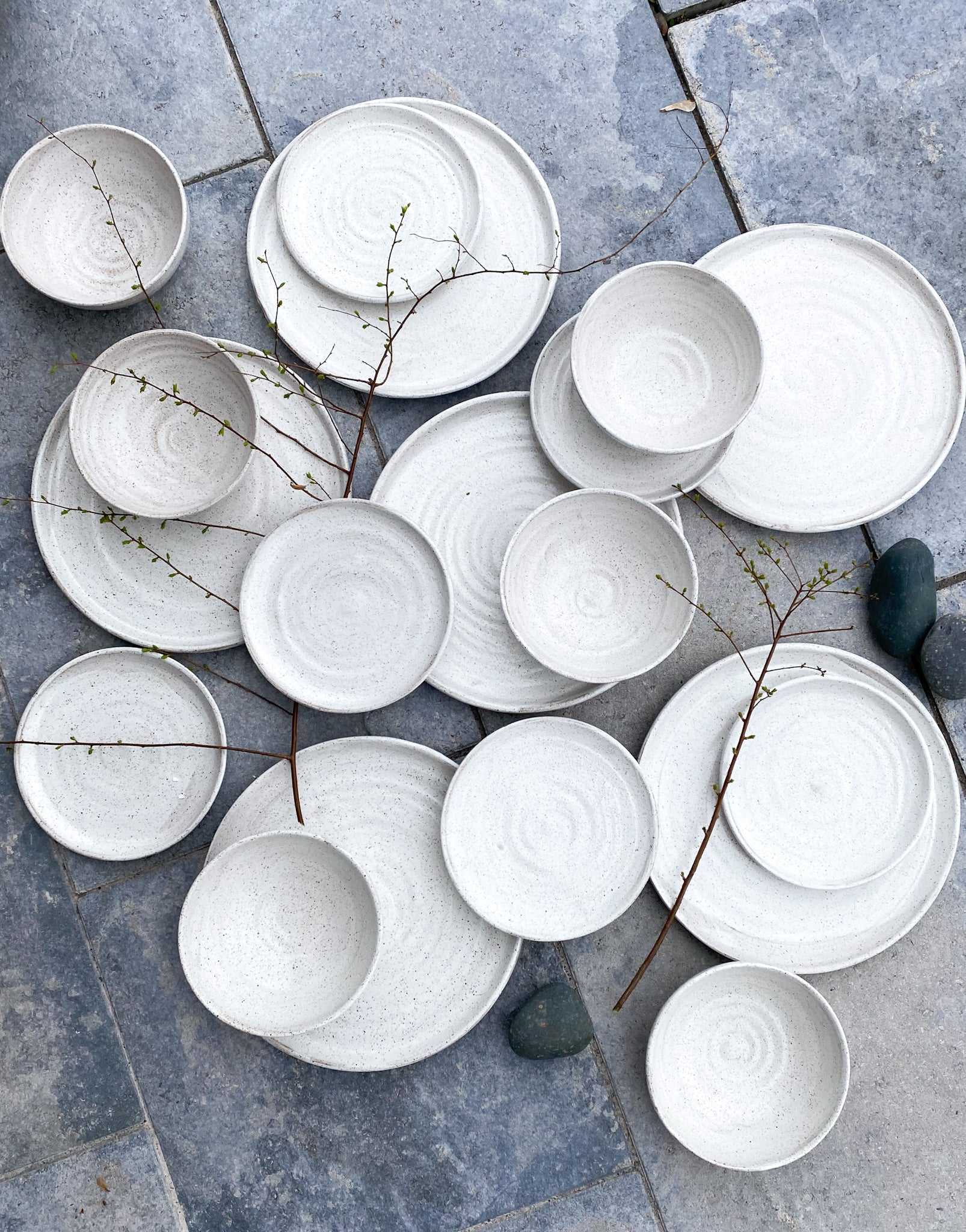 Dinnerware set of 10