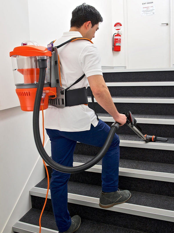 Climbing stairs and cleaning at the same time with the Advantage Ultimate Turbo Combo vacuum cleaner
