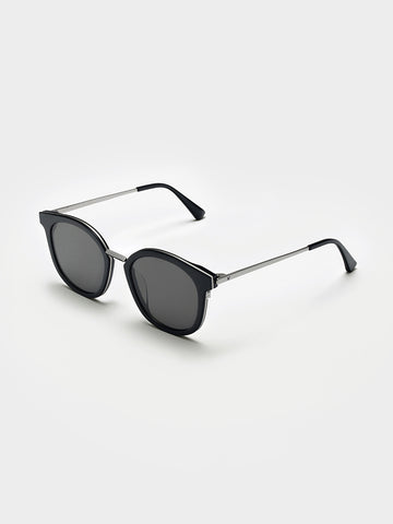 Gentle Monster Black  Metal Bridge Sunglasses