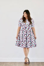 Load image into Gallery viewer, Stephanie Floral Dress (PLUS)