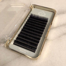 Load image into Gallery viewer, Velvet Mink 0.07 Volume Lashes - Single Length Trays