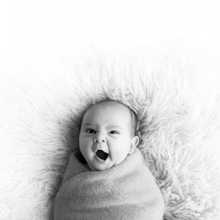 Load image into Gallery viewer, Newborn Photo Shoot