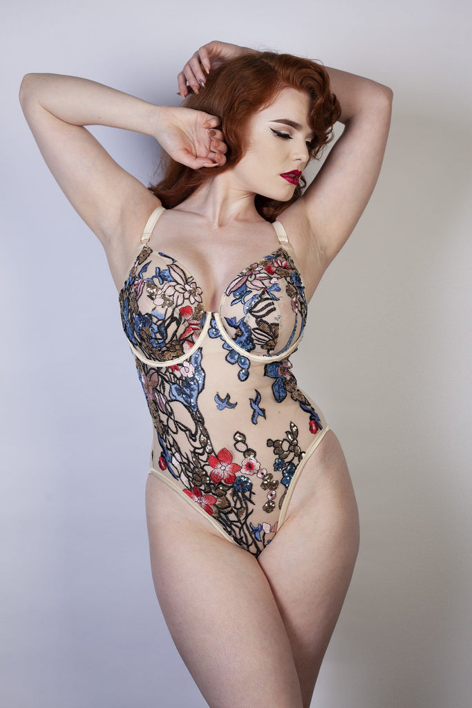 Eleanor Fuller bust Embroidery body DD - H