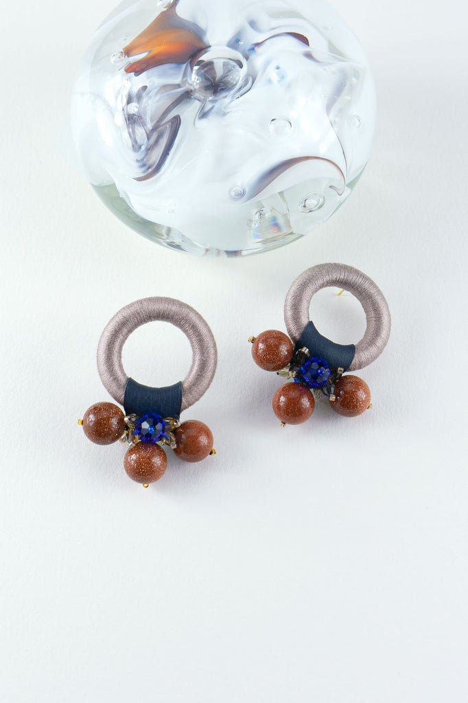 Saulė Earrings in Tan Sienna