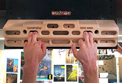 two finger pocket beastmaker hangboard photo