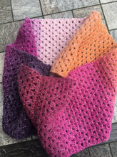 Load image into Gallery viewer, Learn to crochet perfect straight edges with our Gogglefrogs Granny Stripe Cowl Pattern
