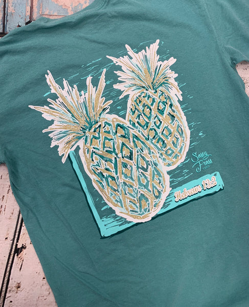 """METALLIC PINEAPPLE"" COMFORT COLOR TEE - Pineapple Post"