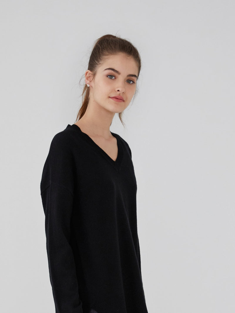 Black - Cashmere Oversized V Neck - Cashmere Oversized V Neck