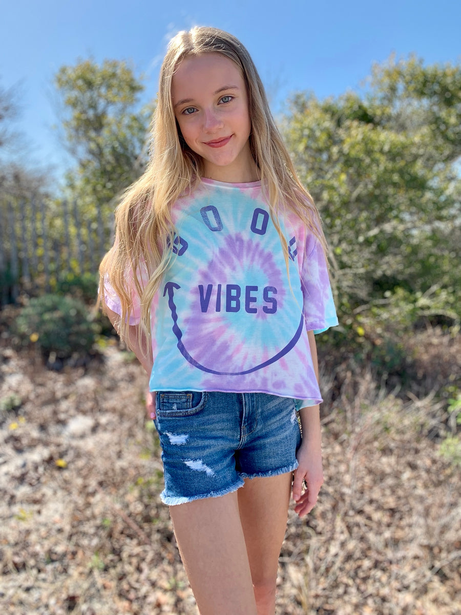 Good Vibes Slouch Tee