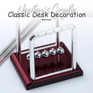 Newton's Cradle Classic Desk Decoration