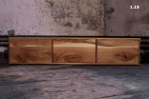 Kommode / Sideboard aus Massivholz in Handarbeit