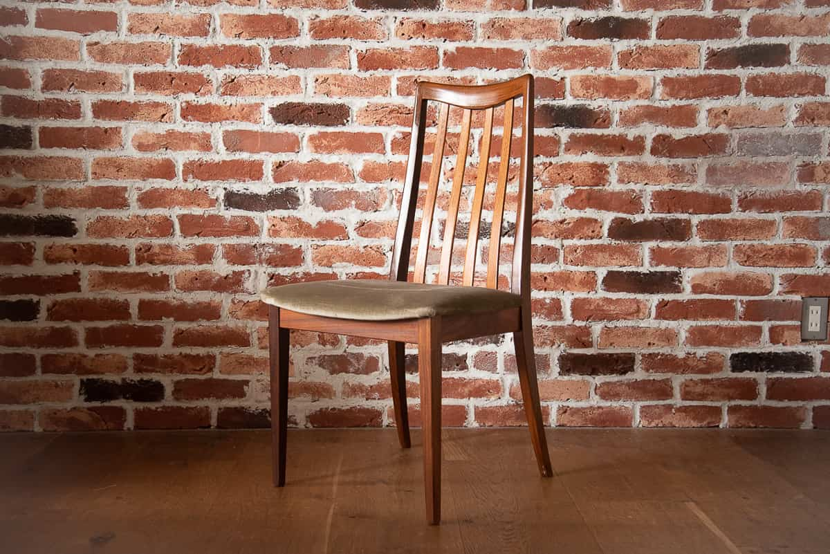 GPLAN DINING CHAIR
