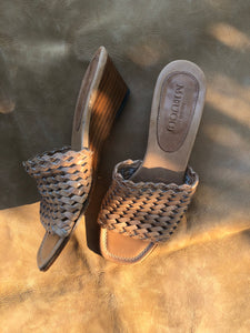 Italian woven leather sandals | size 5.5
