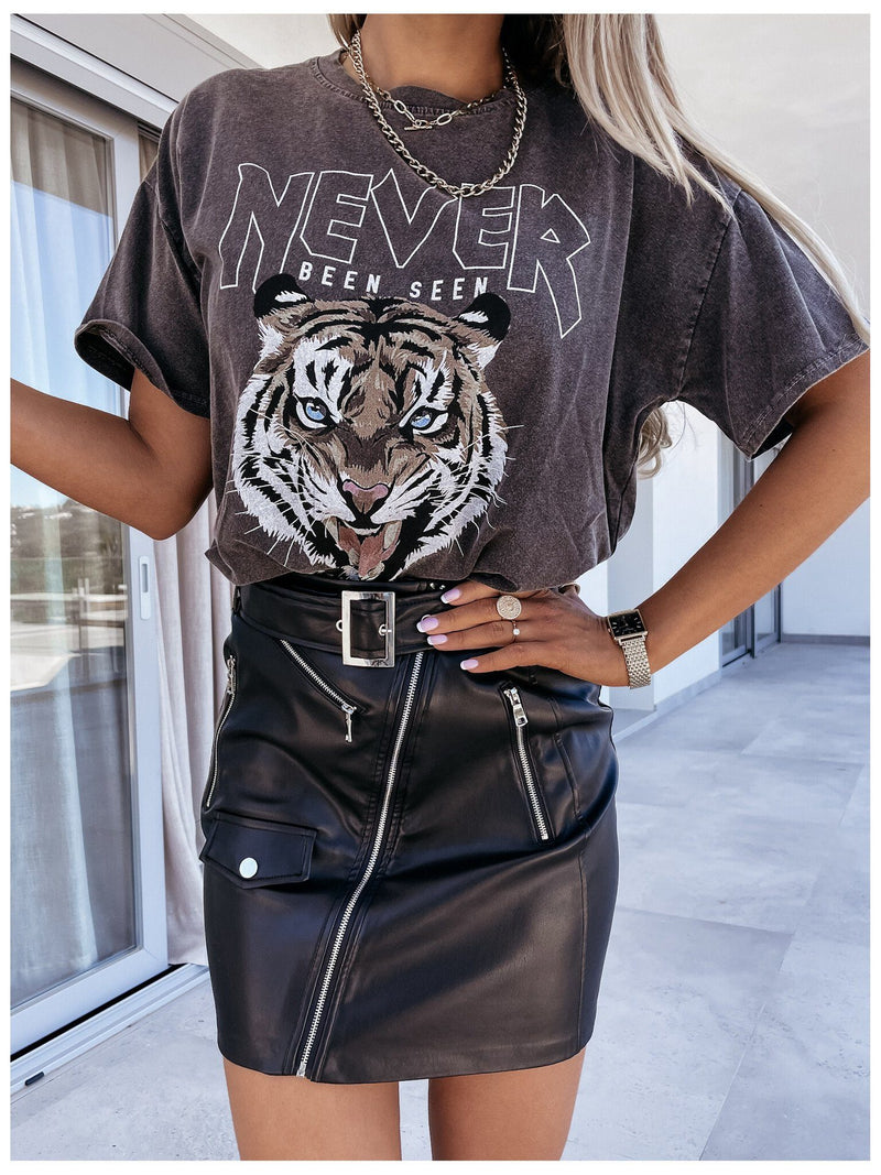 To Be Tiger Letter Printed Cozy T-shirt - Black ss-tops oh!My Lady