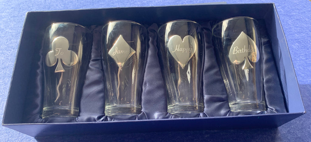 Set of 4 Pint Glasses 'Four Suits' in Pewter
